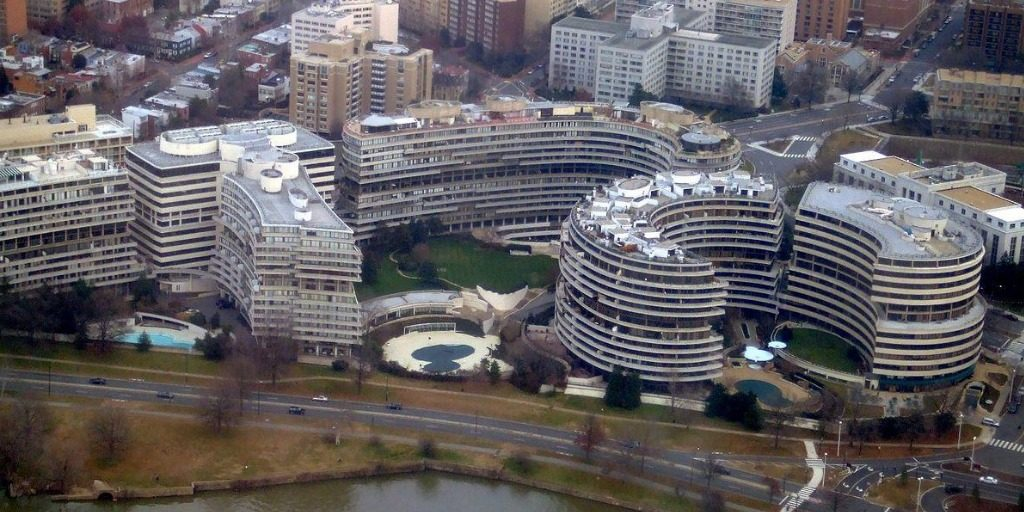 Watergate complex photo